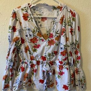 Stunning Floral Top, 3/4 length flare sleeve